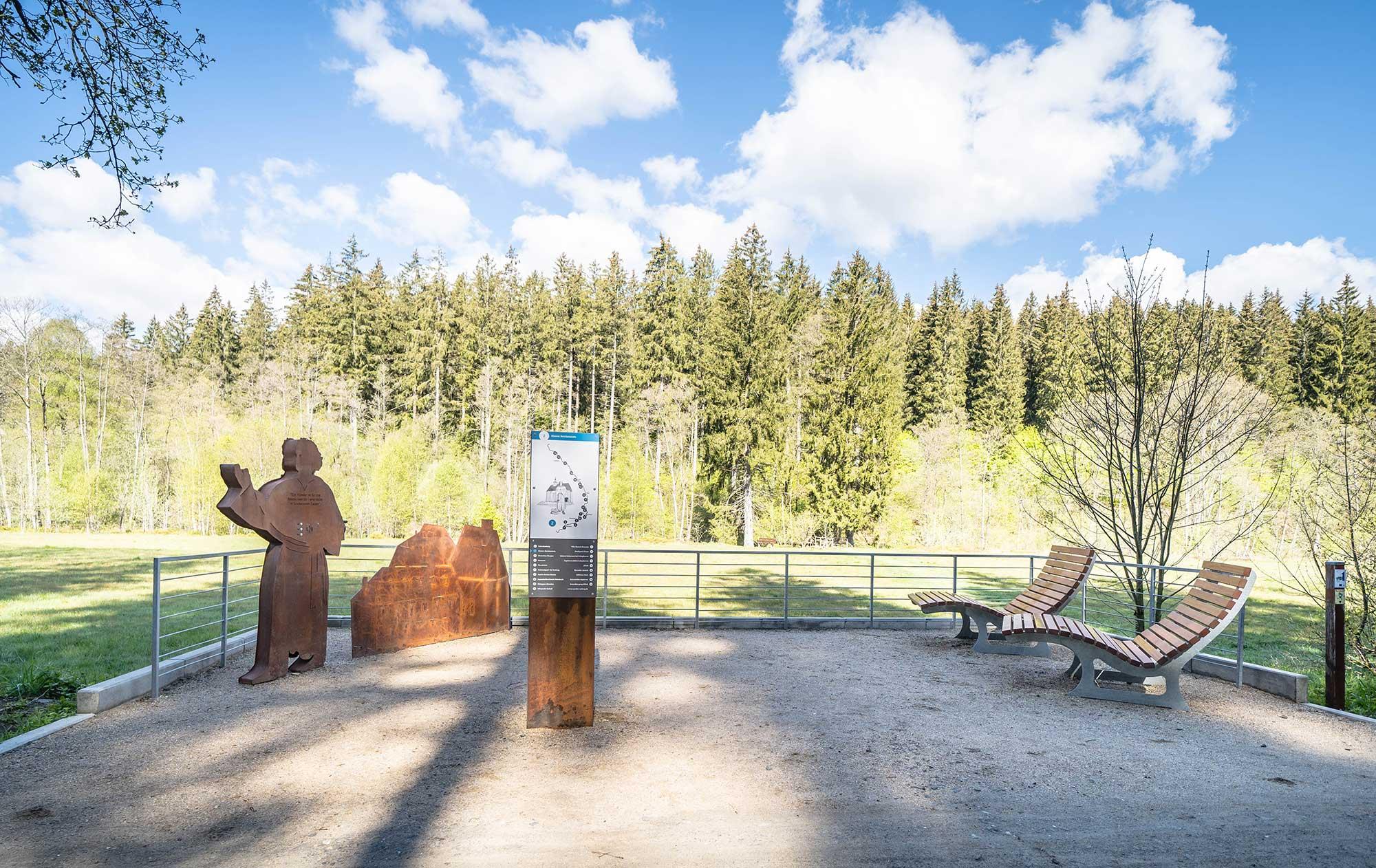 RurUfer-Radweg Rast- und Erlebnisstation Prior Stephan Horrichem vom Kloster Reichenstein